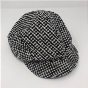 Houndstooth Newsboy Hat